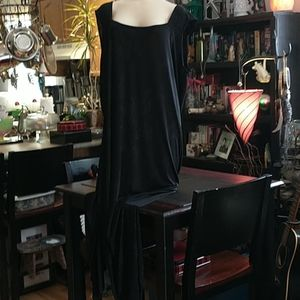 🇨🇦 Long Black Dress
